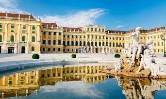 Blue Danube Vienna River Cruise, Dinner and Concert at the Schonbrunn Imperial Palace